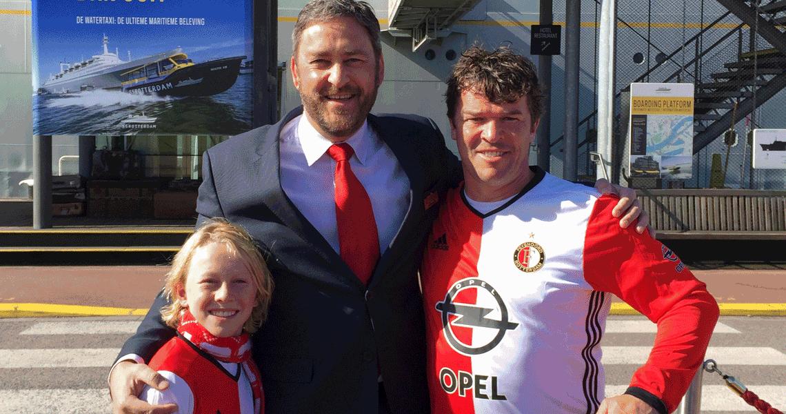 Feyenoord-fans uit Australië verrast op het ss Rotterdam
