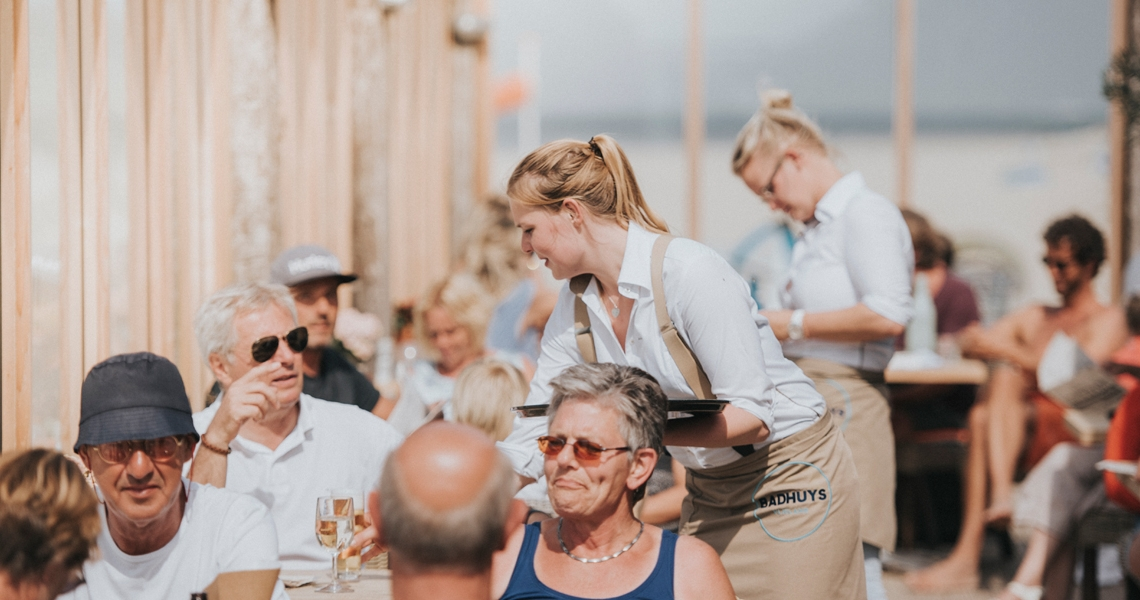 strandpaviljoen-t-badhuys-vlieland-terras - HARRY! by WestCord
