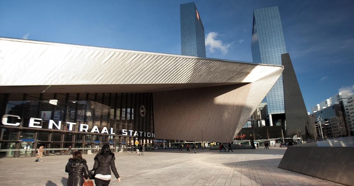 Het Centraal Station is het kloppend hart van de stad