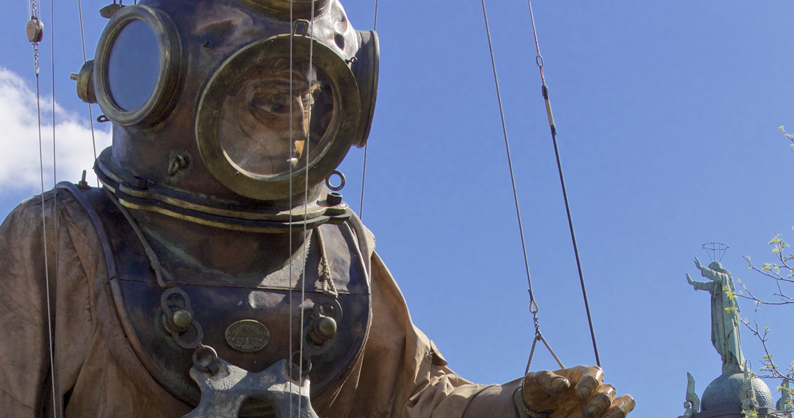 Diver © Royal de Luxe _ Artcompress _ Pascal Victor - HARRY! by WestCord