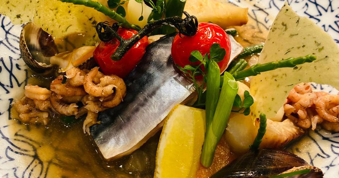Waterzooi van Noordzee vis, schaal & schelpdieren